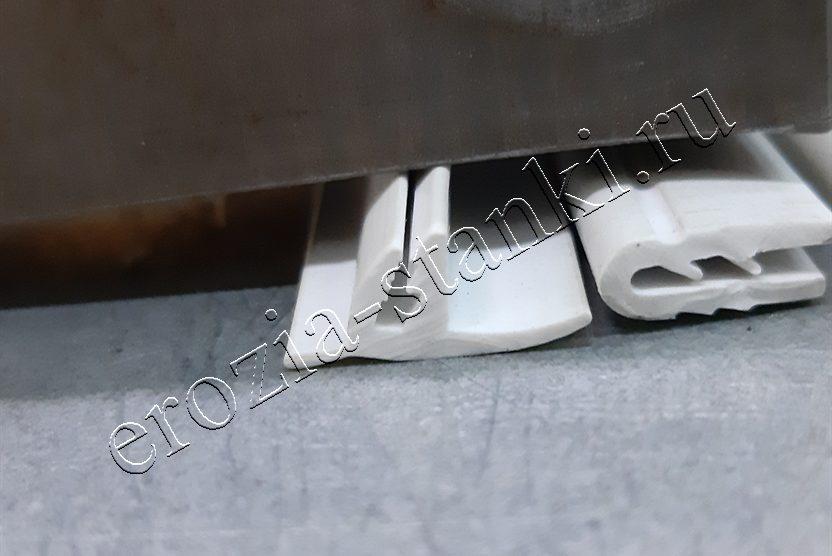 Фильера для изготовления пластикового профиля.