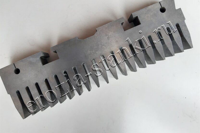 Зубчатый гребень сталь. Сталь У8. Москва