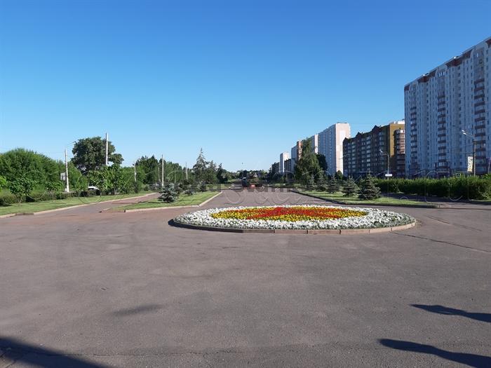 Курск. Аллея Победы. Центр эрозионных технологий им. Лазаренко